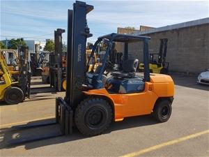 Toyota 4.5Ton Diesel Forklift   Forklift Rentals   Forklift Company   Forklift Handling
